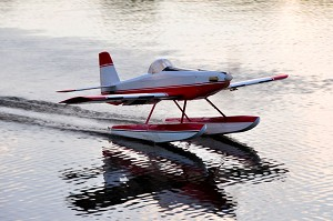 "Legacy Aviation - 65"" Turbo Duster - Red / White FLOAT KIT"